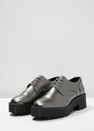 Крутые туфли броги металлик на платформе