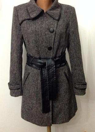 Меланжевое демисезонное  короткое немецкое пальто./40/ brend vero moda