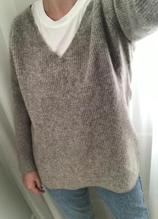 Удлинённый кашемировый свитер fogal в стиле dutti zara