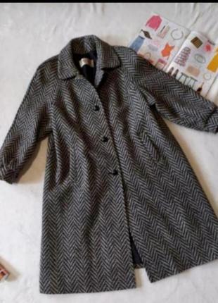 Пальто шерстяное 18 размер серое