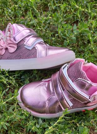 Ботиночки для девочек с мигающей подошвой