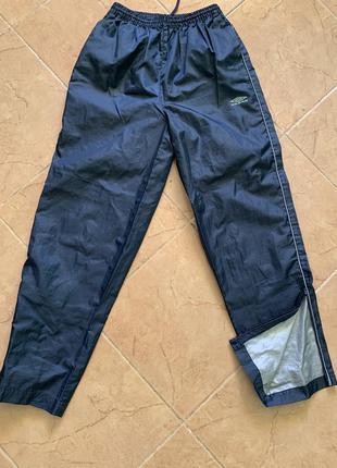 Спортивные брюки umbro, рост-146