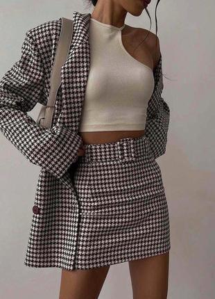 Шерстяной костюм удлиненный пиджак с юбкой