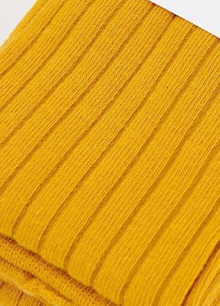 Колготки в рубчик в цвете горчица