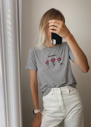 Полосатая футболка с вышивкой, футболка в чёрно-белую полоску