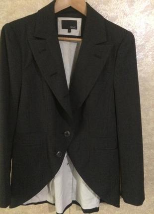 Классический модельный пиджак