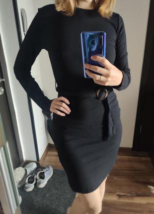 Чёрное платье миди terranova