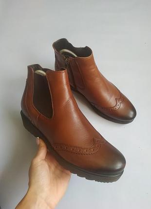 Шкіряні чобітки ara