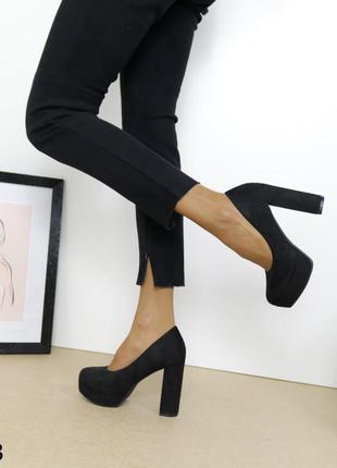 Женские туфли на каблуке и платформе