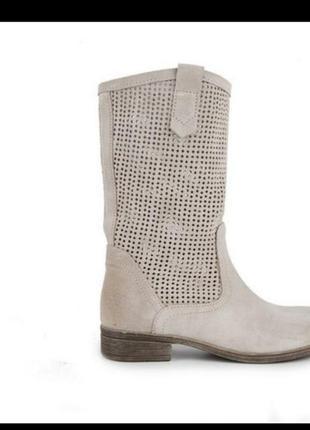 Замшевые ботинки tamaris