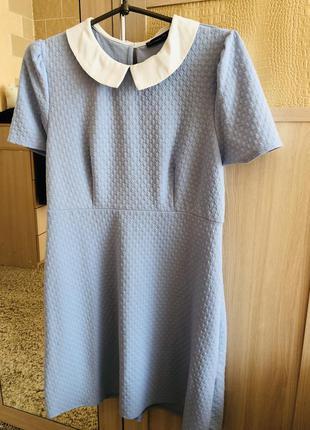 Платье (камера искажает цвет)