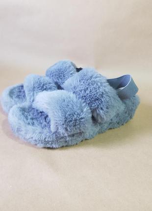 Меховых сандали,  босоножки