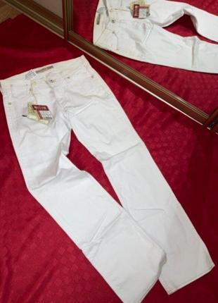 Фирменные белые джинсы mustang 30-32 размера