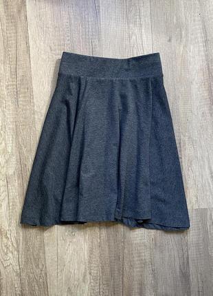 Стильная базовая серая классическая юбка на резинке h&m, p.s/m