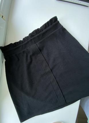 Юбка чёрная по фигуре