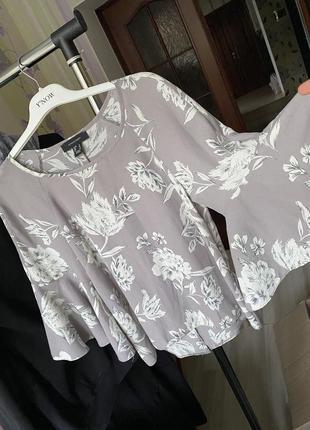 Блуза в цветок