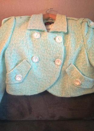 Укороченный теплый пиджак