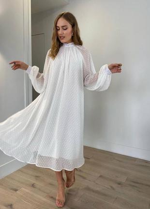 Платье с обьемными рукавами свободного кроя