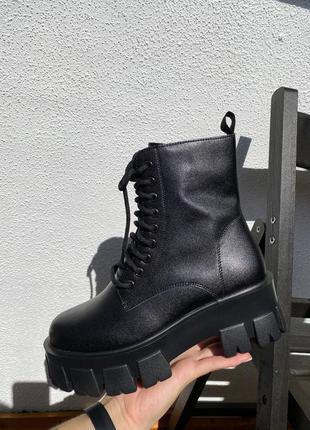 Сапоги ботинки чоботи шкіра кожа