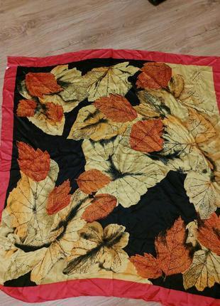 """Большой шелковый платок в принт """"осень"""""""