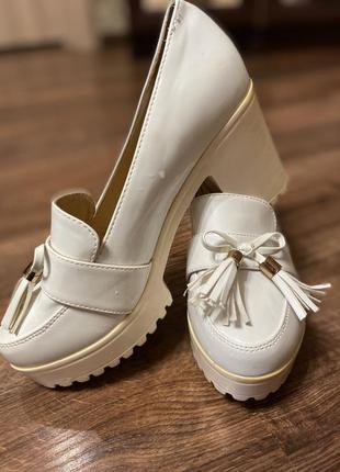 Очень красивые туфли 😊