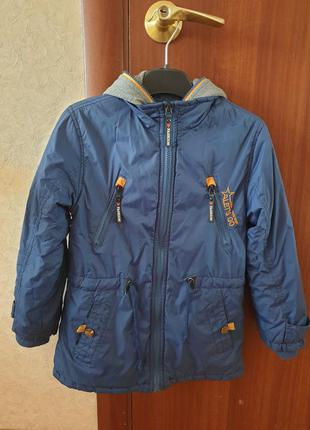 Курточка осіння 128 р. на флісі парка осінь весна