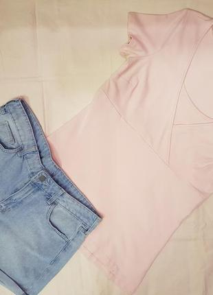 Пудровая футболка на короткий руеавчик,нежро розовая футболка м