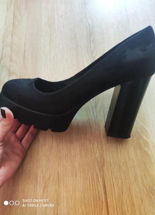Туфли замшевые.1 фото