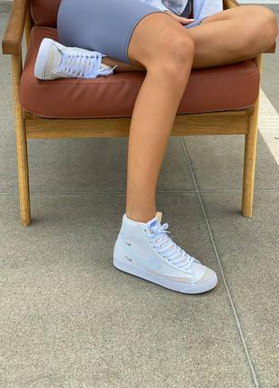 Жіноче взуття2 фото