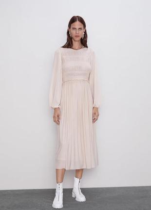 Очень красивое пудровое платье от zara