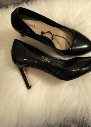 Крутые лаковые туфли лодочки на среднем каблучке - шпильке, р. 37-23,5см...👠💋🌹1 фото