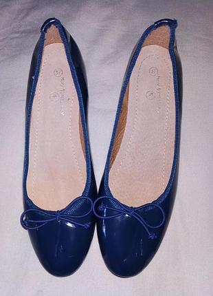 Туфли лаковые женские.1 фото