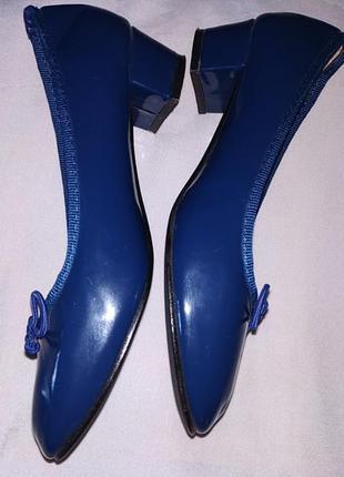 Туфли лаковые женские.2 фото