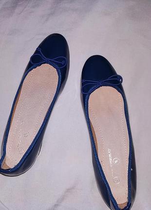 Туфли лаковые женские.4 фото