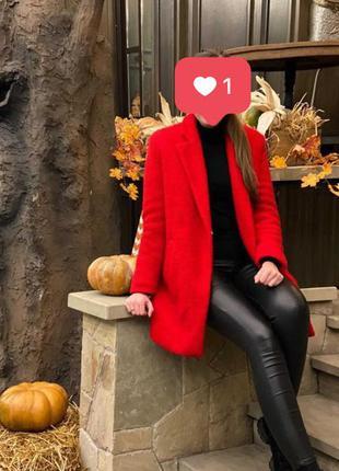 Пальто червоне1 фото