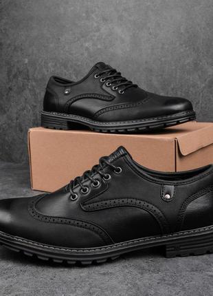 Черные мужские броги кожаные повседневные туфли демисезонные черного цвета