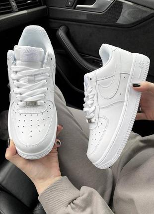 Женские кроссовки air force white