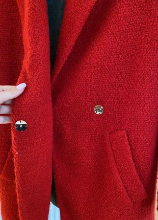 Пальто червоне4 фото