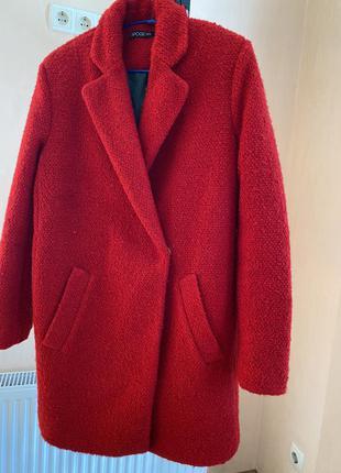 Пальто червоне6 фото