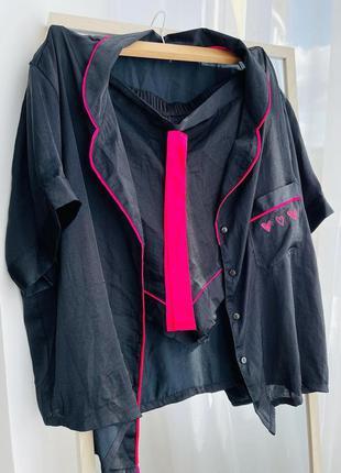 Черная пижама с малиновыми полосами1 фото
