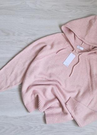 Нежно розовый вязаный худи