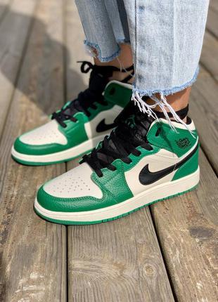 Nike air jordan 1 retro mid 'pine green' кроссовки высокие женские зеленого цвета9 фото