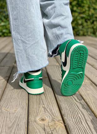 Nike air jordan 1 retro mid 'pine green' кроссовки высокие женские зеленого цвета8 фото