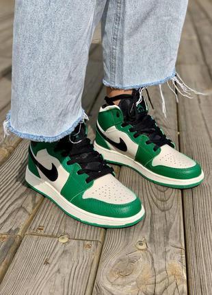 Nike air jordan 1 retro mid 'pine green' кроссовки высокие женские зеленого цвета6 фото