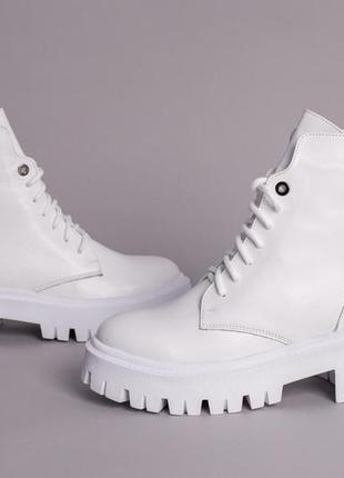Ботинки женские демисезонные кожаные белые на шнурках и с замком8 фото