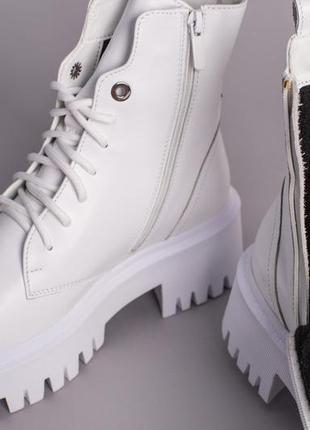 Ботинки женские демисезонные кожаные белые на шнурках и с замком9 фото