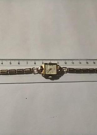 Женские золотые часы «луч», ретро8 фото