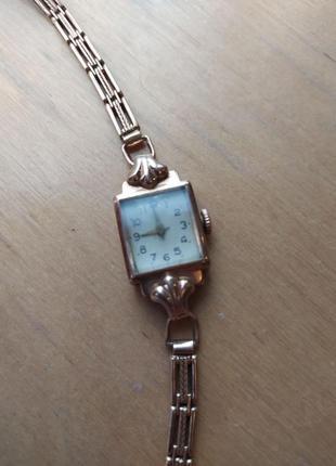 Женские золотые часы «луч», ретро3 фото