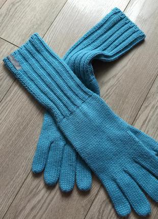 Длинные фирменные перчатки