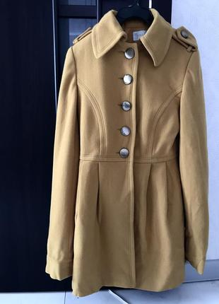 Пальто женское короткое горчичное бежевое на пуговицах с воротником xs s m
